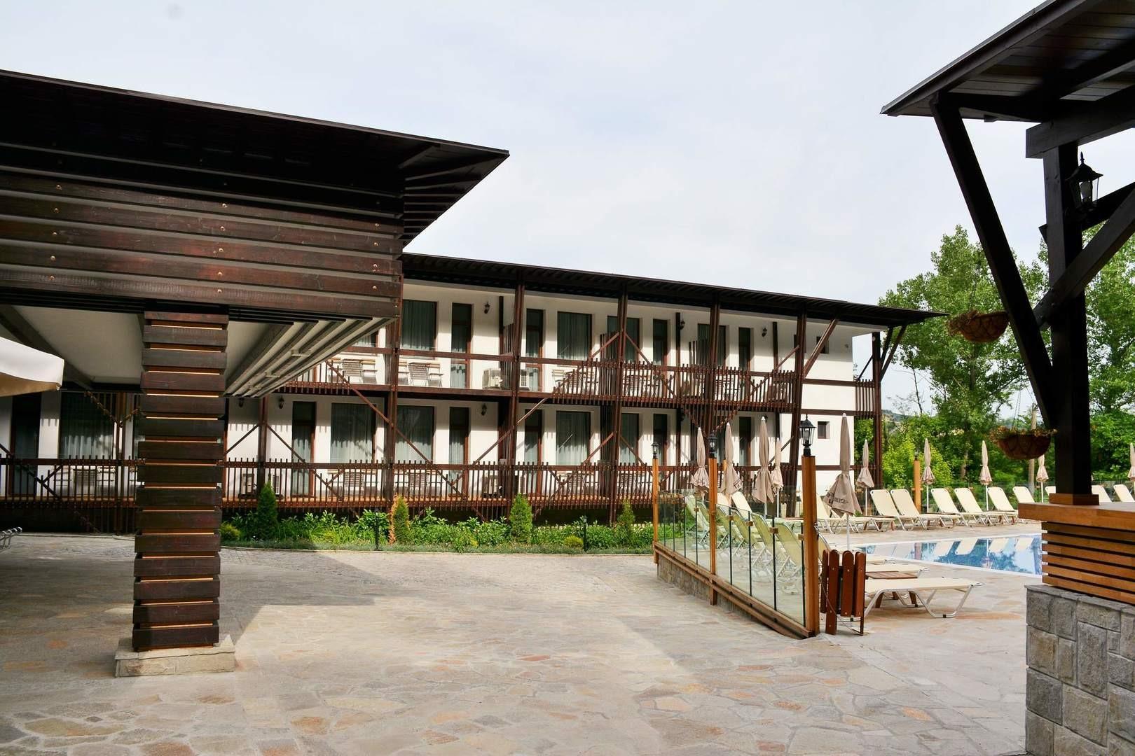 Парк хотел Асеневци  *