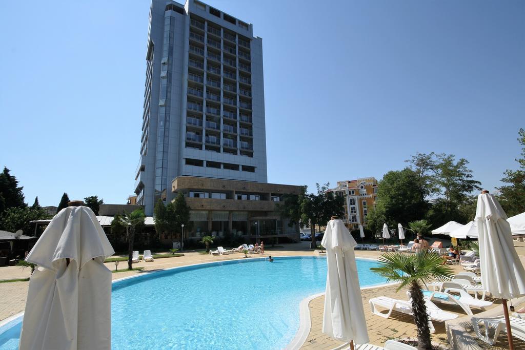 Хотелски комплекс Каменец ***