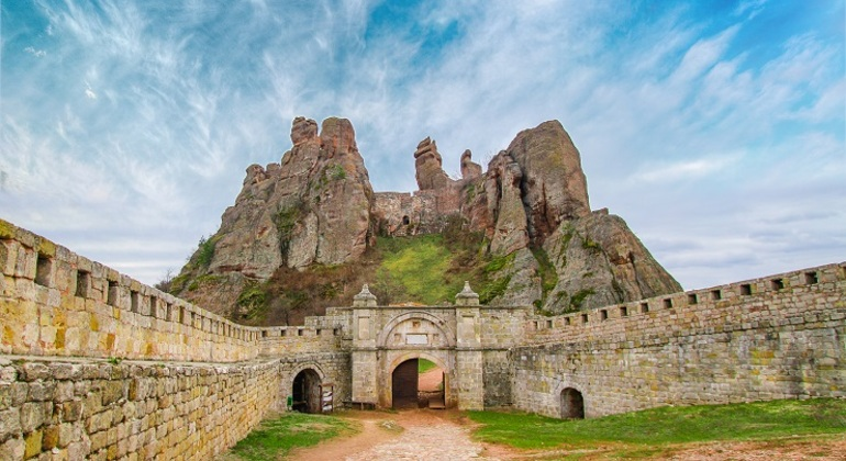 Белоградчишките скали,  Леденика, Магура-Баба Вида